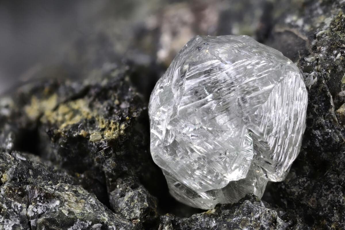 Diamant pierre du mois d'avril